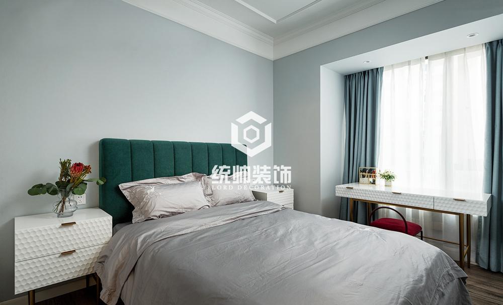 徐汇华尔兹花园130㎡美式3室2厅